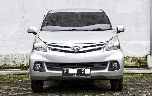 Dijual Mobil Daihatsu Xenia R 2014 di Depok