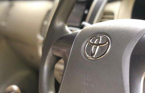 Dijual Cepat Toyota Kijang 2.0 G MT 2015, Bekasi