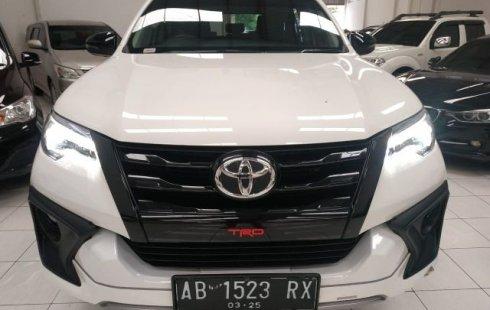 Jual Mobil Bekas Toyota Fortuner SRZ TRD Sportivo Bensin 2019 di DI Yogyakarta