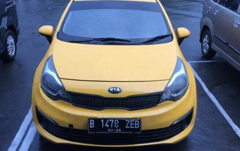 Dijual Cepat Kia Rio 1.6 Sedan 2015 di Jawa Tengah