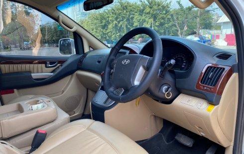 Dijual Mobil Bekas Hyundai H-1 Royale Bensin 2014 Putih di DKI Jakarta