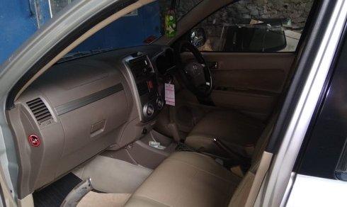 Dijual Cepat Toyota Rush S A/T SILVER 2010 di DKI Jakarta
