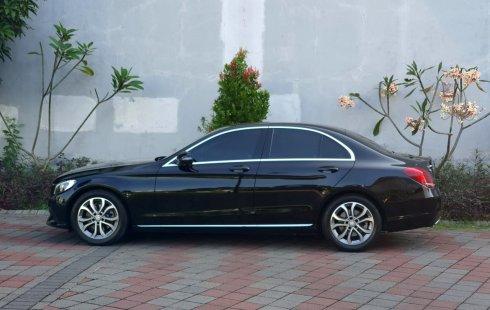 Dijual Mobil Mercedes-Benz C-Class C 200 K 2016 Hitam di Jawa Timur
