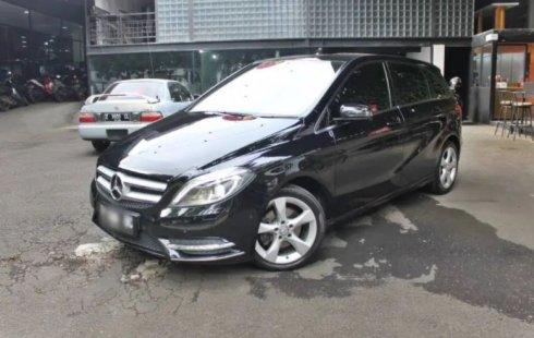 Dijual Mobil Bekas Mercedes-Benz B-CLass B 200 2013 di Jawa Barat