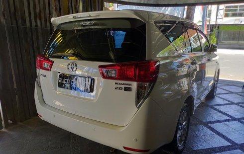 Dijual Cepat Toyota Kijang Innova V 2016 Putih di Jawa Timur