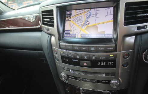 Dijual Cepat Lexus LX 570 2012 Putih di DKI Jakarta