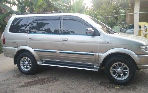 Jual Mobil Isuzu Panther 2.5 Manual 2012 di Jawa Timur