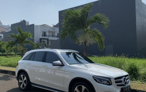 Dijual Mobil Bekas Mercedes-Benz GLC 250 Exclusive Line 2017 di DKI Jakarta