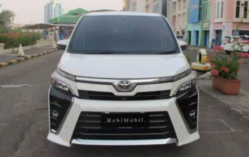 Jual Mobil Toyota Voxy 2018 di DKI Jakarta