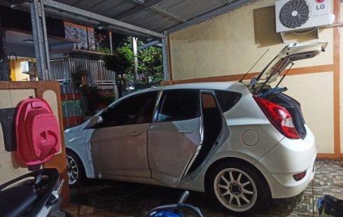 Jual mobil Hyundai Grand Avega 1.4 GL AT 2012 dengan harga murah di Jawa Barat