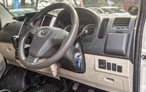 Jual Mobil Daihatsu Luxio X 2015 di Jawa Barat