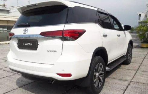 Jual Mobil Toyota Fortuner VRZ 2016 di DKI Jakarta