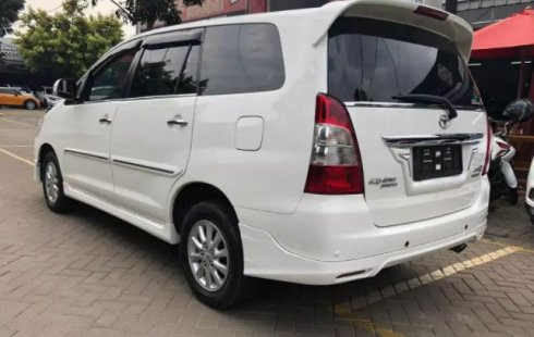 Dijual Mobil Toyota Kijang Innova V Luxury 2012 di DKI Jakarta