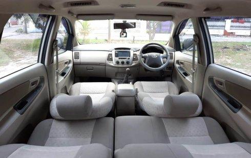 Dijual Mobil Toyota Kijang Innova 2.0 G Manual 2013 di Bekasi
