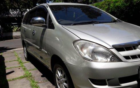 Dijual Toyota Kijang Innova 2.0 G 2005 a/t di Bandung