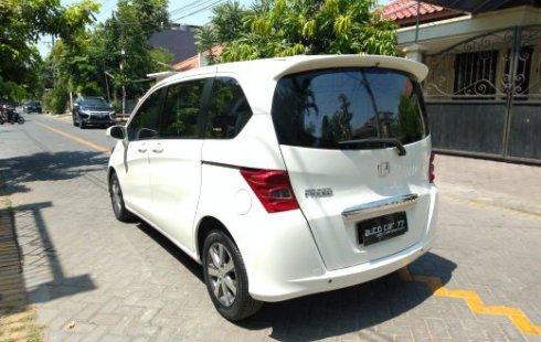 Dijual Honda Freed PSD 2010 di Jawa Timur
