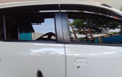 Jual Mobil Toyota Agya TRD Sportivo 2017 Putih di Bekasi