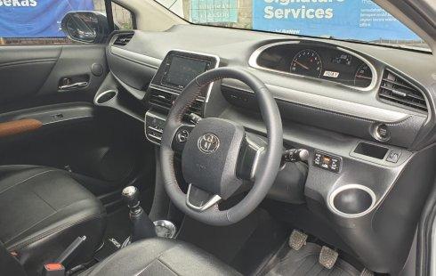 Toyota Sienta V 2017 Silver
