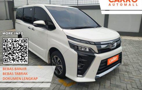 Toyota Voxy 2.0 AT 2018 Putih