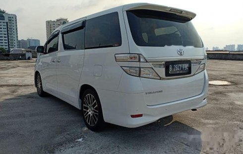 DKI Jakarta, Toyota Vellfire V 2013 kondisi terawat