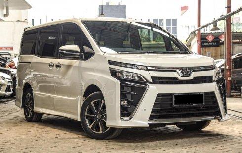 Toyota Voxy 2.0 AT 2018!!! TDP 103 Juta Cicilan 8.1 Juta Asuransi All Risk