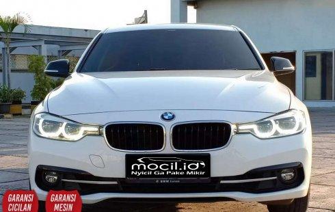 Jual mobil BMW 3 Series 2017 , Kota Jakarta Timur, DKI Jakarta