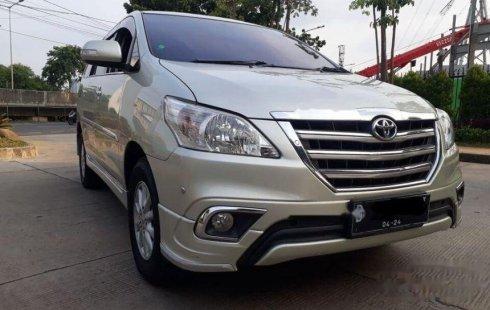 Jual mobil Toyota Kijang Innova V Luxury 2014 bekas, DKI Jakarta