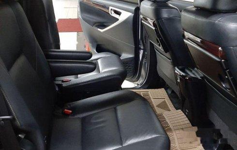 Mobil Toyota Venturer 2017 terbaik di DKI Jakarta