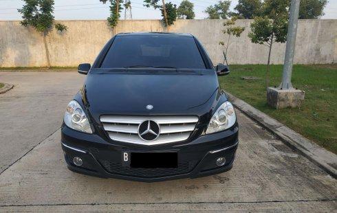 Mercedes-Benz B-CLass B 180 thn 2011 Hitam AT