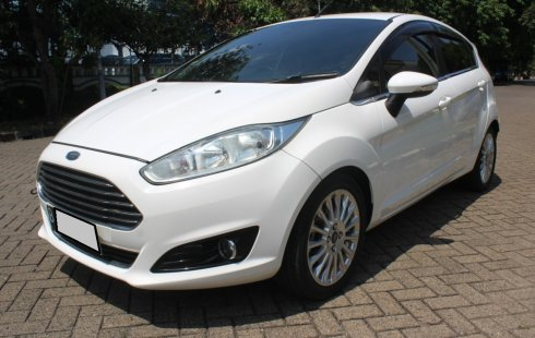 Ford Fiesta S at 2013 Putih (new model)
