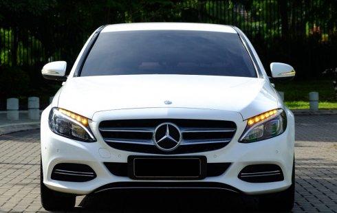 Mercedes-Benz C-Class C200 2016 Putih