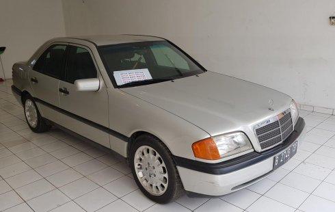 Mercedes-Benz C-Class C200 1995