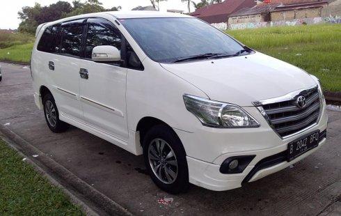 Toyota Kijang Innova G Luxury Bensin 2015 di Banten