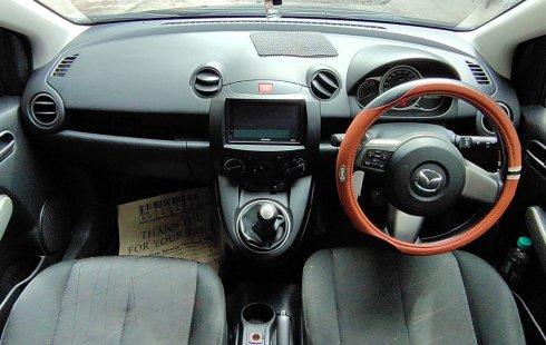 Jual mobil Mazda 2 2012