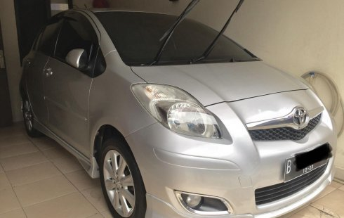 Toyota Yaris S Limited 2010