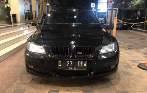 Jual cepat mobil BMW 3 Series 320i 2005 CBU sunroof