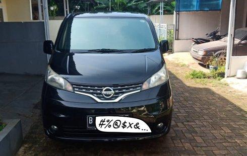 Jual mobil Nissan 2014
