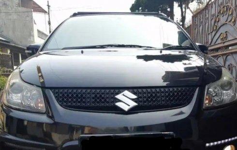 Mobil Suzuki SX4 X-Over 2010 dijual, Pulau Riau