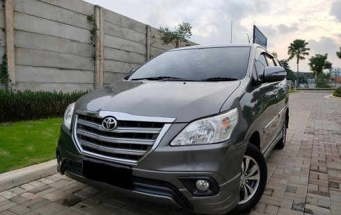 Toyota Kijang Innova G Luxury 2015 Abu-abu