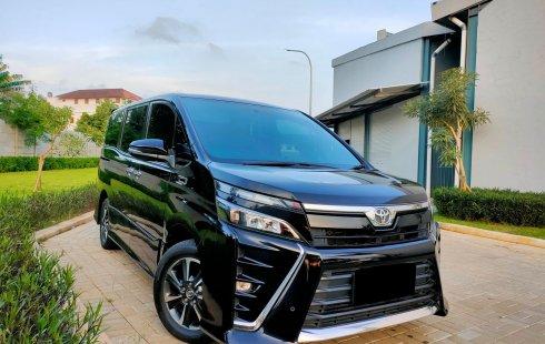 Toyota Voxy CVT 2018 Hitam