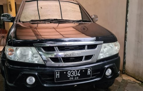 Isuzu Panther 2.2 Manual 2008 Hitam