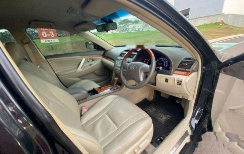 Mobil Toyota Camry 2011 V dijual, Banten