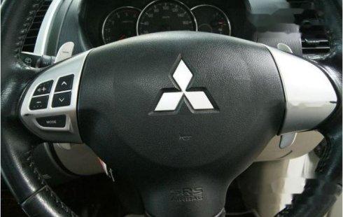 Mobil Mitsubishi Pajero Sport 2014 Dakar dijual, Jawa Timur