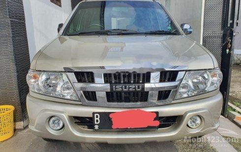 Isuzu Panther 2012 DKI Jakarta dijual dengan harga termurah