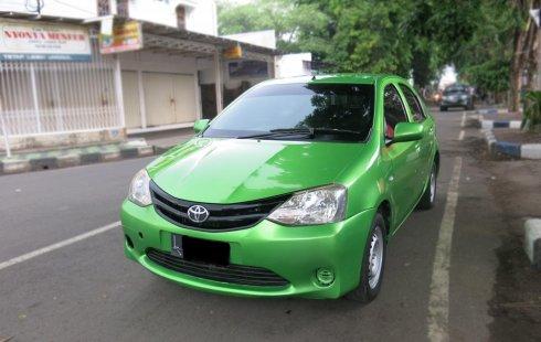 Toyota Etios 1.5 MT Manual 2013