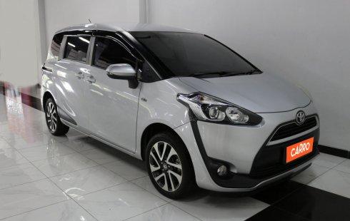 Toyota Sienta V MT 2016 Silver
