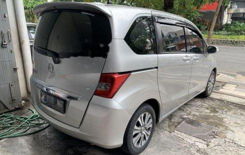 Jual Honda Freed E 2013 harga murah di Jawa Timur