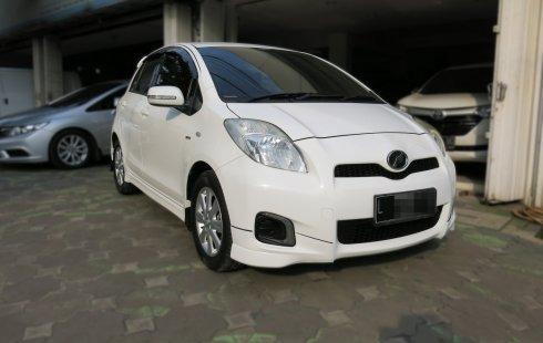 Toyota Yaris E AT Matic 2013