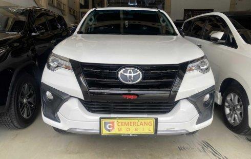 Toyota Fortuner 2.7 TRD AT 2017 Putih