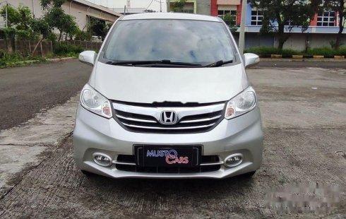 DKI Jakarta, Honda Freed E 2013 kondisi terawat